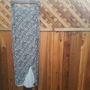 ⚡3/$12⚡BEBE Modern Bohomian Print Maxi Skirt